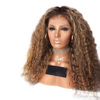 Sintética Omber pelucas para mujeres Negro Rubio Color rizado resistente al calor pelo de la fibra sin cola oscuro Raíz rubia peluca barato Sin Encaje