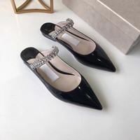 Patent Deri Düz Sandalet Kadın Stiletto Yüksek Topuk Sandalet Tasarımcı Kristal Kayış Katırlar Yaz Kadın Düz Ayakkabı Üzerinde Kayma Sivri ...