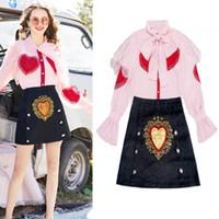 Pist Nakış Parti Etek Takım Elbise Set Bahar Kadın Kırmızı Kalpler Aplikler Ruffles Dantel Yaylar Pembe Bluz Gömlek Tops Etekler NS644