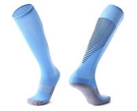 2019 Американский футбол Streetwear носки, комплекты модно ходить тренажерный зал бег носки, футбольные носки колено высокие дышащие Спорт Бег Длинные чулки