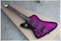 Zurdo 4 cuerdas Cuerpo púrpura Guitarra eléctrica con 2 pastillas, hardware negro, puede ser personalizado