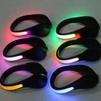 تشغيل دراجة رياضية LED الأحذية مشبك سلامة إشارة البلاستيك LED أحذية 7-لون فلاش كليب ليلة ضوء أحذية السلامة في الهواء الطلق