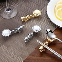 Créatif En Métal Dragon Forme Baguettes Titulaire Chinois Traditionnel Or Baguettes Rack Cadre Reste Stand Craft Table Décoration