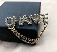 2020 neue auflistung koreanische mode diamant broschen mit original design kette quaste pin schnalle brosche kleidung dekoration