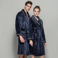 8de4e80bf8 Frauen Winter dicken Flanell Plüsch Schal Bademantel verlängern verdicken  Hause Kleidung Robe Mantel Korallen Fleece Pyjamas langärmelige Robe