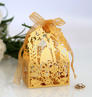30 цветов свадебные одобрения держатели конфетные сумки лазерная бумага с лентами влюбленные цветы бабочки свадебные подарочные коробки BW-XTH131