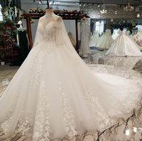 2019 Luxo Dubai Árabe Cristais A Line Wedding Vestidos com xalés mangas compridas Rendas de pescoço alto apliques de tamanho de nupcial