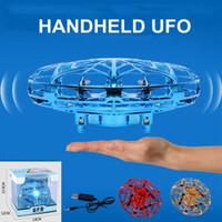 Anticollisione LED volo in elicottero magia mano UFO Aircraft Sensing Mini induzione Drone sospensione giocattoli UFO Bambini elettrico giocattolo elettronico