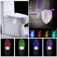Lampada da comodino a LED per WC con luce notturna Smart PIR Sensore di movimento automatico 8 colori Retroilluminazione impermeabile per water WC Bagno WC Light