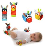 Neues Lamaze Art Sozzy Rassel Handgelenk Esel Zebra-Handgelenk-Geklapper und Socken Spielzeug Fußbehandlung (1set = 2 Stück Handgelenk 2 Stück Socken).