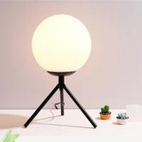 Led lampe de table pour bar salon chambre décor à la maison lait blanc en verre boule ronde led lumière de bureau nuit éclairage lampes