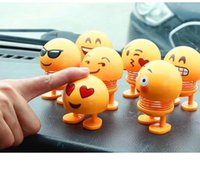 3 nuevo Xiaohuang Ren Spring Smile Face Expression Pack Sacudir la cabeza Amigo Expresión Arreglo Vehículo Juguetes de descompresión interesantes