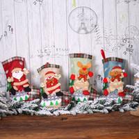 Dekoracje świąteczne Christmas Stockings Christmas Plaid Lalen Doll Torba Christma Drzewo Śnieżne Ogrodzenie Dekoracyjne Skarpetki EEA855-2