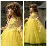 Sarı Dantel Üst El Çiçek Adorned Çiçek Kız Elbise 2020 Yumuşak Tül Örgün Çocuklar Parti Abiye Sevimli Prenses