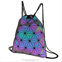 Moda Donna Classic geometrica colorata dello zaino Drawstring maschio e femmina studenti Joker Semplice Anti-beam tasca all'ingrosso