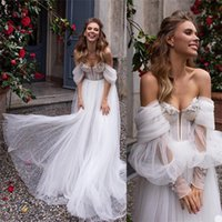 Boho A-line Wedding Dresses Sexy Sweetheart Long Sleeve Ruffle Appliqued Lace Beaded Wedding Gown Sweep Train Beach Robes De Mariée
