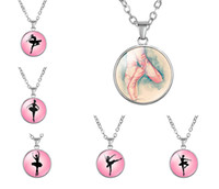 10 Unid / lote Danza Ballet Bailarina Amor en vivo Bailarinas Colgantes Collares 18mm Cabujón de cristal redondo Mujeres Chian Joyas Regalos