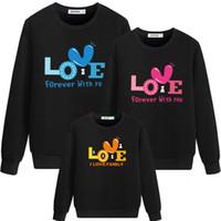 Mère filles Chandails hiver Top Shirts Love Letter Rechercher la famille Matching famille Pyjama Vêtements de Noël