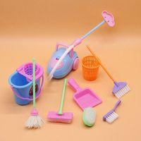 9 pçs / conjunto acessórios de boneca mini vassoura mop lixo lata de limpeza doméstica ferramentas para a casa de boneca barbie brinquedo educacional crianças