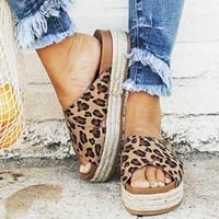 WENYUJH Tongs Femme Slides Leopard Wedge Platform High Heels Femmes Chaussons Comfort Summer Beach Avslappnad Chaussures 43