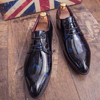 Los hombres vestido de novia zapatos de charol Sombra cuero de lujo de los zapatos del partido novio Moda Hombres Zapatos Oxford 38-45 de pisos varón ocasional