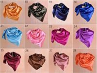 28 Coors solides polyester polyester imitation rayon satin satin musulman hijab écharpe carré foulard foulard necrier 90 * 90cm mixte 100pcs / lot # 3600