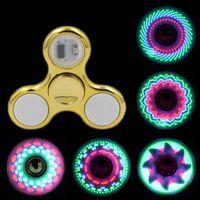 Luz mais legal led luz mudando lidar com giradores brinquedo crianças brinquedos auto mudança padrão 18 estilos com arco-íris ilumina a mão spinner