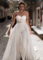 Benutzerdefinierte sexy Spitze Appliqued Mutter Braut Anzüge Overalls mit abnehmbaren Röcken Schatz Tüll Strand Hochzeitskleid Boho Brautkleider