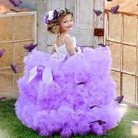 Leggero viola Purple Ball Gown Girls Pageant Dresses Luxury 2020 Feather di cristallo Piccoli Bambini Abiti da ragazze di abbigliamento formale per matrimoni