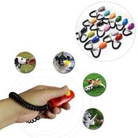 Portátil Ajustável Som Corrente Chave E Correia De Pulso Treinamento Clicker Multi Color Pet Dog Training Ao Ar Livre Assobio DH0649 T03