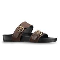 2020 Diseño de lujo Mujeres Playa Slippers Summer Bom Dia Flat Mule Sandal Sandal Damas Dorado Tono de oro Hebillas Dos correas Zapatillas de deslizamiento Tamaño 35-41 con caja