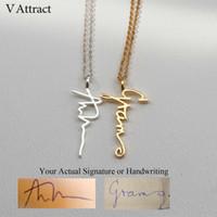 V Attract Schmuck Gestalte individuelle Handschrift Anhänger Collier Femme Vertikale Personalisierte Vertikal-Name-Halskette für Frauen-Geschenk