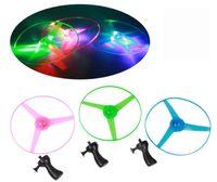 Oyuncaklar Renkli Çekme Dize UFO LED Işık Up Uçan daire Plastik Fener Aydınlık Oyuncaklar Oynamak Için Büyük Oyuncak