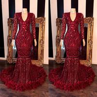 2020 Mode Rouge foncé Dentelle Plume sirène Robes de bal filles noires col en V manches longues balayage train Formal Robes de soirée réel image BC3356