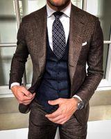 Due Pezzi Brown abiti uomo Fomal Occasione a spina di pesce in tweed del vestito giacca sportiva degli smoking dello sposo vestiti per casual tempo libero (Jackets + Pants)