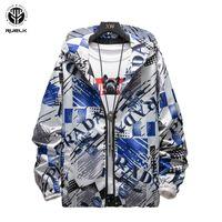 RUELK Tide Brand Jacket 2020 весной и осенью новый мужской Сыпучие капюшоном Мода Креатив письмо Печать Длинные рукава Большой размер M-5XL