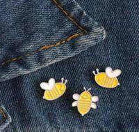Мультфильм мини Пчелка брошь милые животные эмаль Pin дети рюкзак металлический значок куртки нагрудные булавки женщины мужчины ювелирные изделия подарки GD131