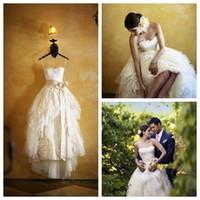 Strapless Weiß oder Elfenbein Vintage Brautkleider mit Bogen-Schärpe bodenlangen Brautkleid Applikationen Günstige Spitze Brautkleid