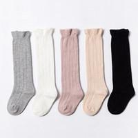 Menina calcetines de los bebés recién nacido rizado Medias rodilla alta calcetines de tubo suave princesa Footsocks la ropa del bebé Accesorios 5 colores DW4659