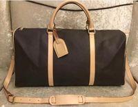 Qualidade de bloqueio 55cm viajar em carregar sacos grandes maçanetas de ombro de maiúsculas Bolsas de capacidade das mulheres com bagagem Rebites Duffel Top Homens Backpa Axxp