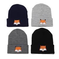القبعات الشتوية الجديدة المحوكة