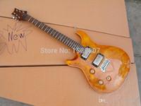 일렉트릭 기타, 사용자 정의 (22)는 손으로 노란색 메이플 탑 기타 버스트 왼쪽, N