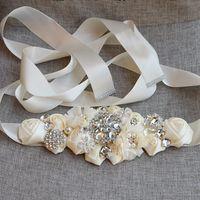 Mode Spitze Blumen Hochzeitsschärpen Blumen Brautschärmer mit Kristall Strass Grau Burgund White Beige Hochzeit Gürtelschnürungstil