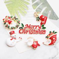2018 Feliz Natal Esmalte broches Pin mulheres Árvore snowman Tie meias Sapatos Elk luvas guirlanda Lapela emblema Para homens Moda Presente Da Jóia Do Partido