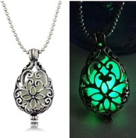 Collana di Locket luminescenti luminescenti di colore argento Collana di Locket luminescenti San Valentino Perline luminose antiche Censer J Cage regalo