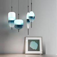 Pendentif en verre bleu en forme de larme moderne nordique lumière LED Art Deco Simple Blanc Suspendre lampe de suspension pour salon Restaurant Cuisine
