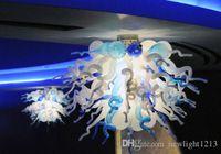 European Style stile unico Progettato soffiato soffitto di vetro lampadario bianco e blu Moderna Lampadari Sorgente luminosa LED