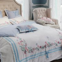 4 pezzi Bedding Set 60 lungo fiocco di set di biancheria da tessuto di cotone Embroiery piumone matrimoniale Copertura queen e king size aprile fiore blu bianco
