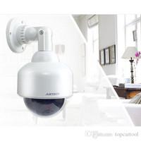 Caméra de sécurité CCTV fausse de surveillance CCTV de surveillance imperméable de TCT simulée avec la puissance rouge éclatante d'appareil-photo de dôme factice de dôme de LED par des batteries sèches