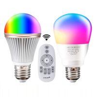뜨거운 판매 E27 스마트 전구 디 밍이 여러 가지 빛깔의 웨이크 업 라이트 RGB + WY LED 램프 2.4G 무선 원격 7 색 원격 제어 스마트 전구